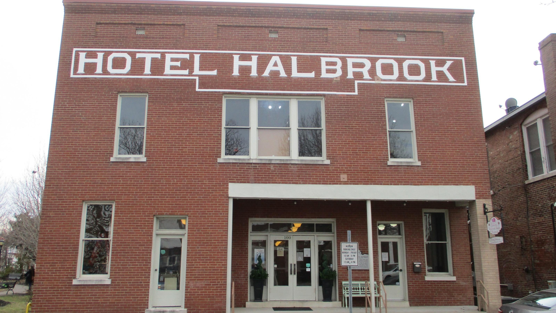 Hotel Halbrook